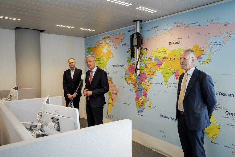 Minister Stef Blok maandag bij de  lancering  van het meldpunt. Beeld ANP, Robin van Lonkhuijsen