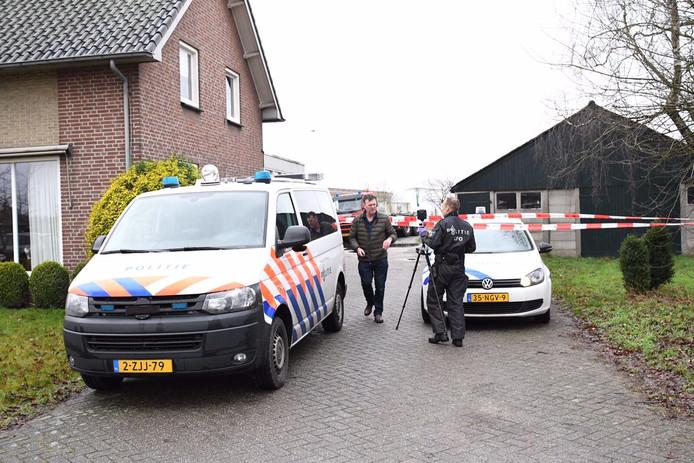 Aan de Hoogeindseweg in Leende trof de politie gisteren een groot drugslab aan.