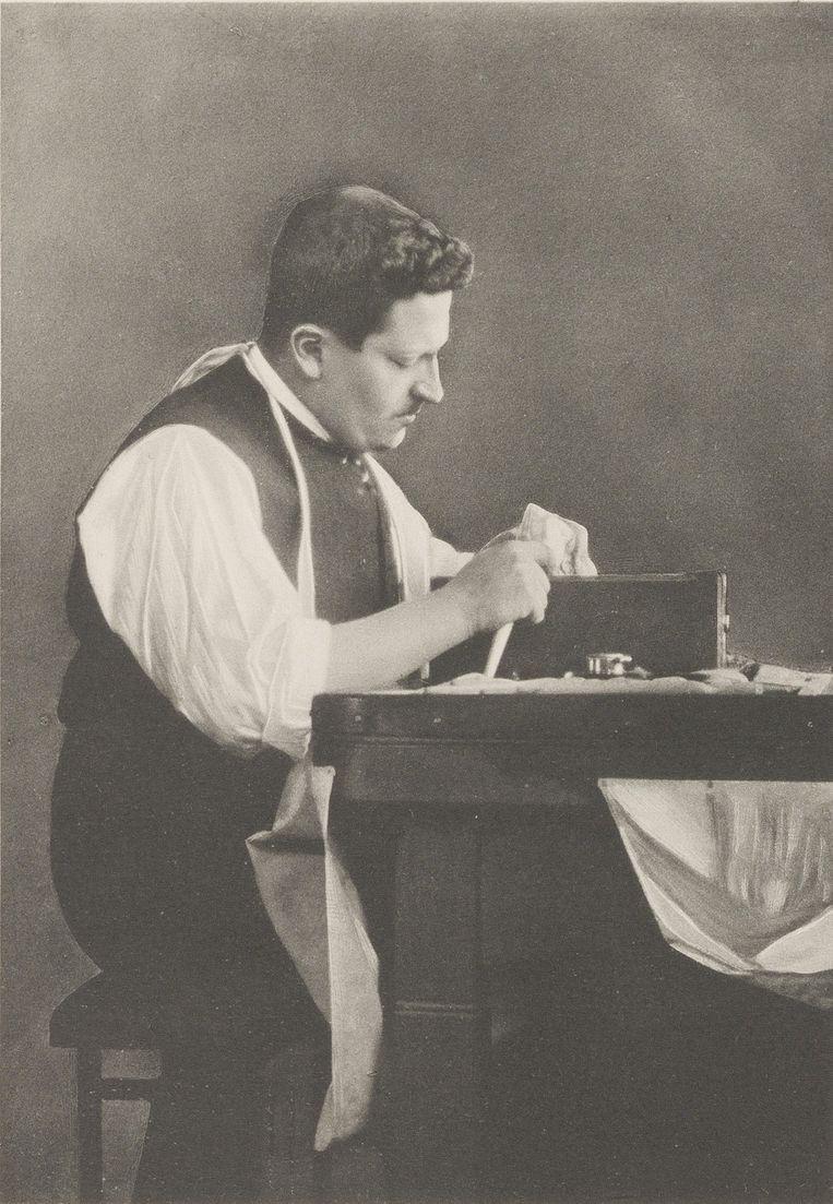Joseph Asscher bewerkt de Cullinandiamant. Beeld Stadsarchief