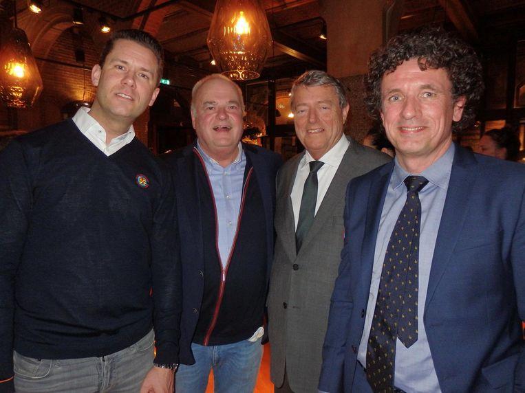 Donateurs en conciërge: Peter Boellaard (Waldorf), Klaas Westland (Old Amsterdam Cheese), Robin van Kooten (De Gouden Sleutels) en Bert Boer (Muiderslot). Beeld Schuim