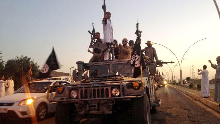 IS-strijders in de stad Mosul. Beeld ap