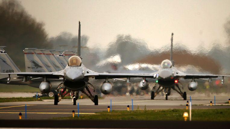 Twee Nederlandse F16s. Beeld anp
