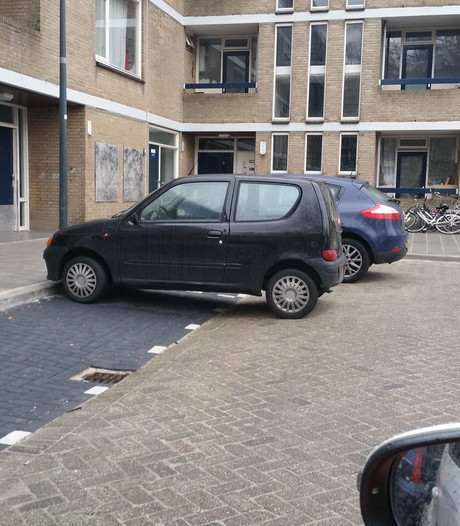 Creatieve foutparkeerders in Groenoord voortaan op de bon