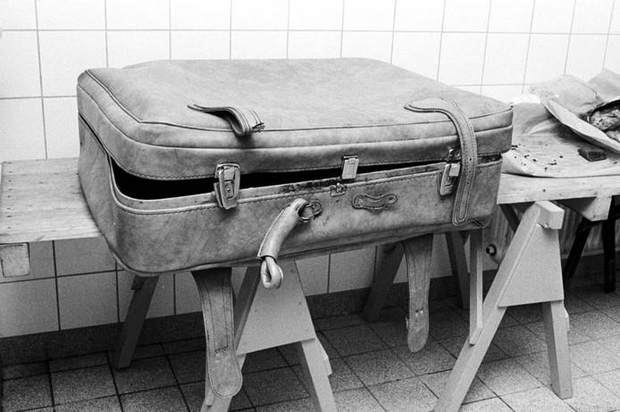 De koffer waar de 13-jarige Kadija in werd gevonden. Hoe zij precies aan haar einde kwam werd nooit duidelijk. foto Johan van Gurp