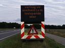 Weggebruikers op de Verlengde Arnhemseweg - N224 in Ede worden gewaarschuwd voor een loslopende stier.