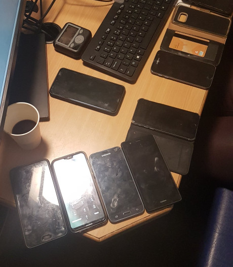 Zakkenrollers slaan toe op Paaspop, twaalf telefoons aangetroffen