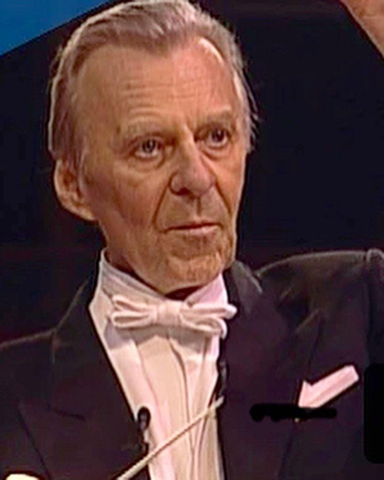 De  Amerikaanse dirigent Richard Dufallo tijdens zijn afscheidsconcert in 2000. Beeld