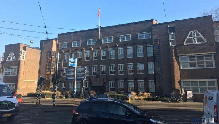 Het kantoorpand op de Stadhouderskade waarin nu Havas Media is gevestigd is een van de 55 kantoren die voor 615 miljoen euro is verkocht Beeld BOG Auctions