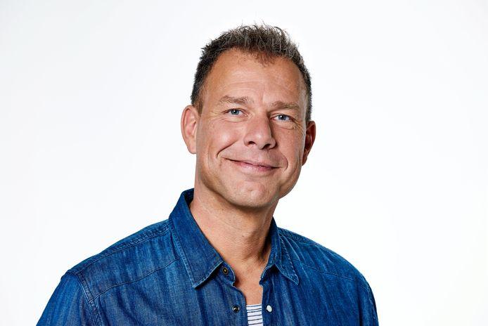 Nieuwslezer Henk Blok neemt sabbatical om gezondheid: 'Meer tijd met  dochter en vrouw' | Show | bd.nl