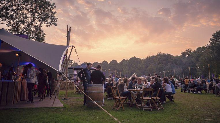 null Beeld Bacchus Wijnfestival in het Amsterdamse Bos
