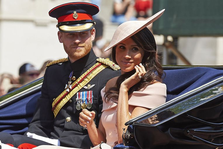Prinses Meghan Markle in een zachtroze jurk tijdens Trooping the Colour. Beeld AFP