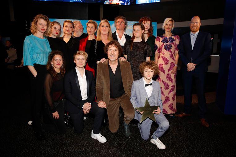 De cast van All of Us.
