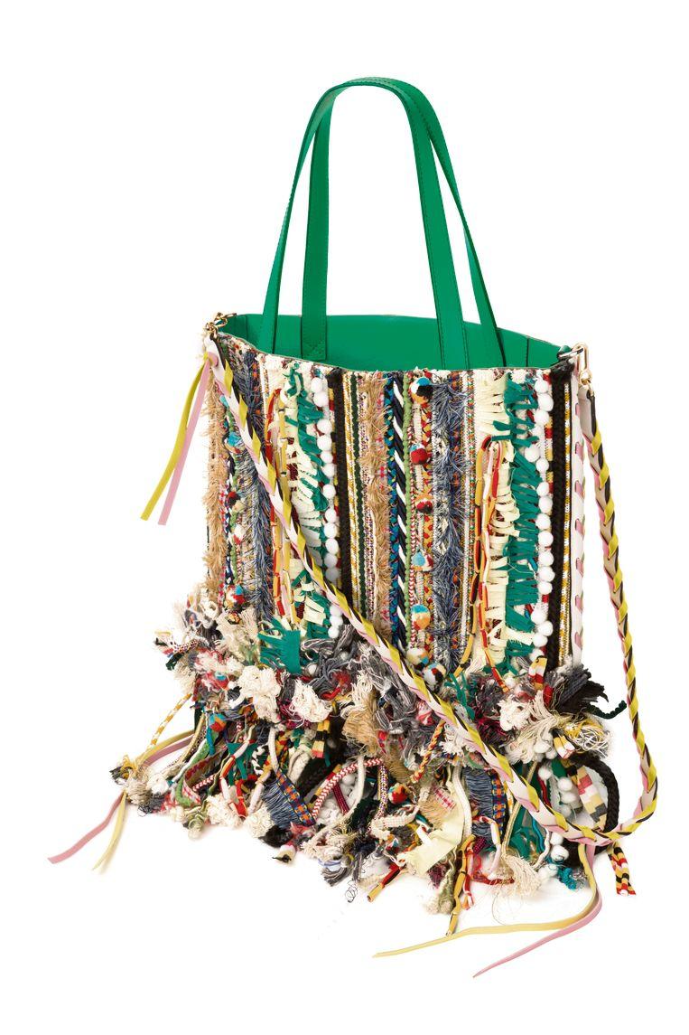 Het werk van de finalisten van de Loewe Craft Price is van 4 mei tot 17 juni te zien in het Design Museum in Londen. Beeld Loewe