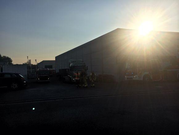 De brandweer rukte uit naar het houtbedrijf.