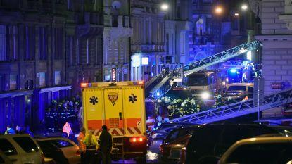 Zeker twee doden en tientallen gewonden bij hotelbrand in Praag