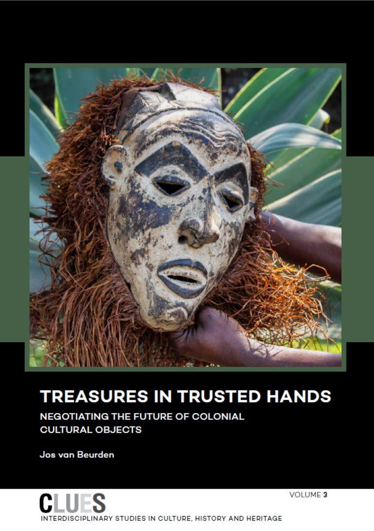 Treasures in Trusted Hands Beeld RV