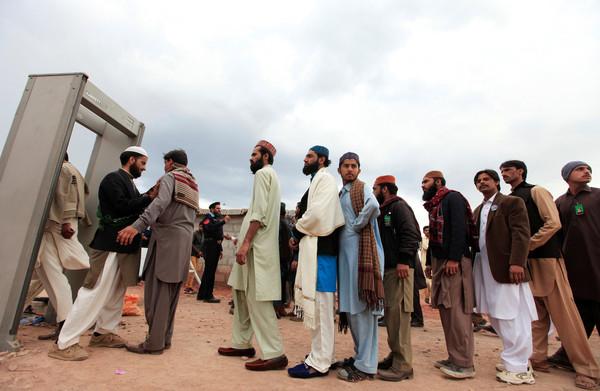 **Voor radicaal-islamitische partijen in Pakistan is moordenaar Qadri een martelaar**