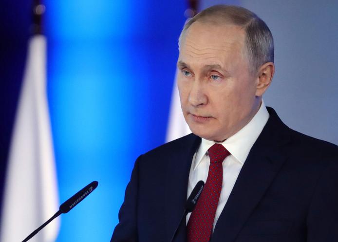 De Russische president Poetin schiet arme gezinnen te hulp.
