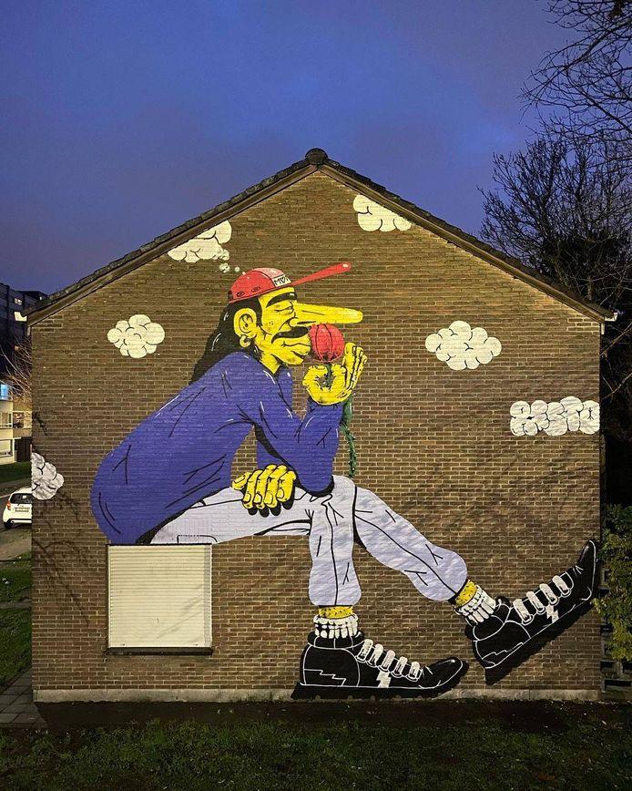 Het nieuwe werk van Rekto op de gevel van een woonhuis in Nieuw Gent.