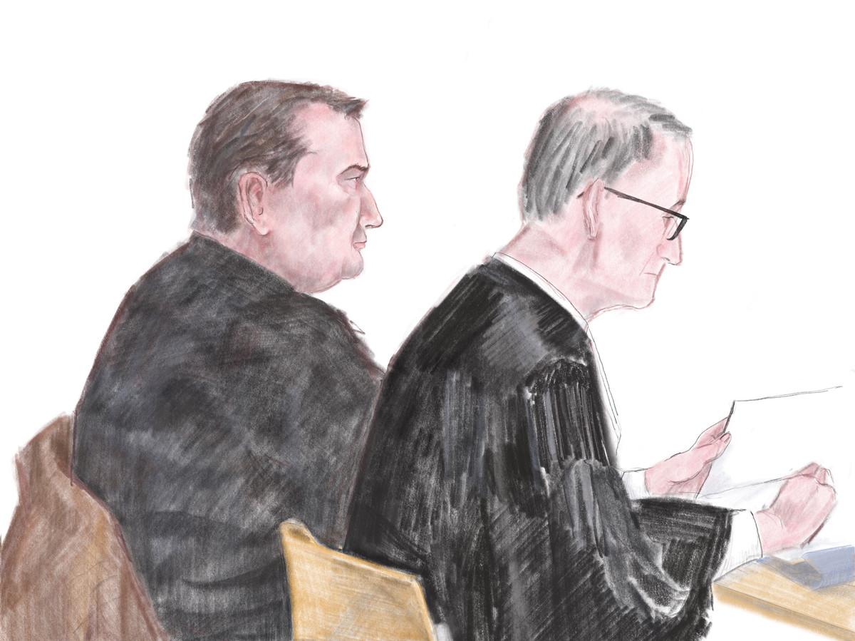 Vincent T. (links). Rechts advocaat Frans Huijbers.