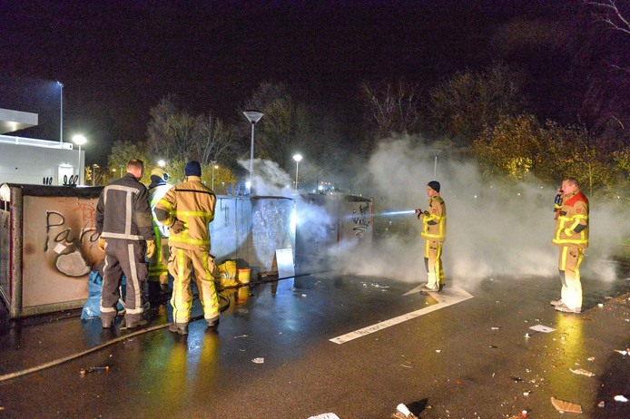 Zaterdag morgen vroeg rond 4.29u stond  aan de Vlijtseweg een container op het terrein van de Aldi en de Dekamarkt in de brand. Deze brand werd door de beveiliging ontdekt. Deze brand heeft de brandweer geblust. Politie was ook aanwezig.