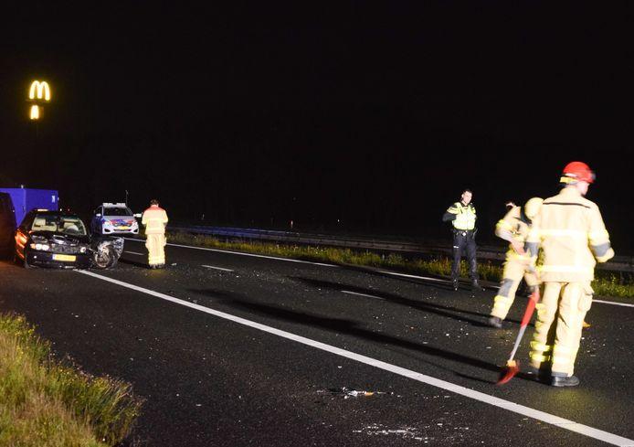 De A18 bij Doetinchem is afgesloten na een aanrijding met een spookrijder.