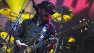 """Motörhead Lemmy switcht van whisky naar vodka uit """"gezondheidsredenen"""""""