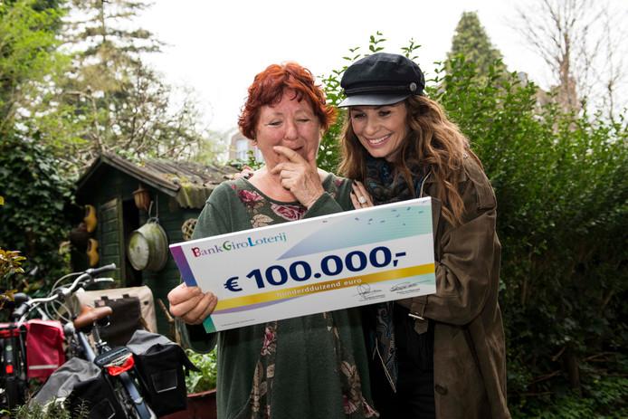 71-jarige Dordtse wint 100.000 euro bij BankGiro Loterij.