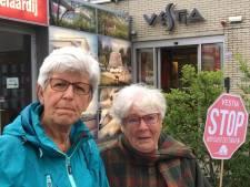 Zoetermeerders demonstreren tegen huisuitzetting Magda (80)