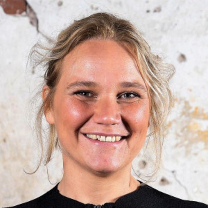 Zes partijen in de gemeente Zutphen dienen maandag een motie van wantrouwen in tegen wethouder Annelies de Jonge (PvdA). Ze stellen dat het vertrouwen in De Jonge zwaar is geschonden na het achterhouden van het BMC-rapport. Dat bureau deed onderzoek naar de misstanden bij sociale dienst Het Plein.
