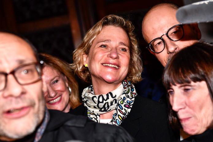 Op het stadhuis van Gent  werd  inmiddels bekeken of Delphine Boël een kans maakt