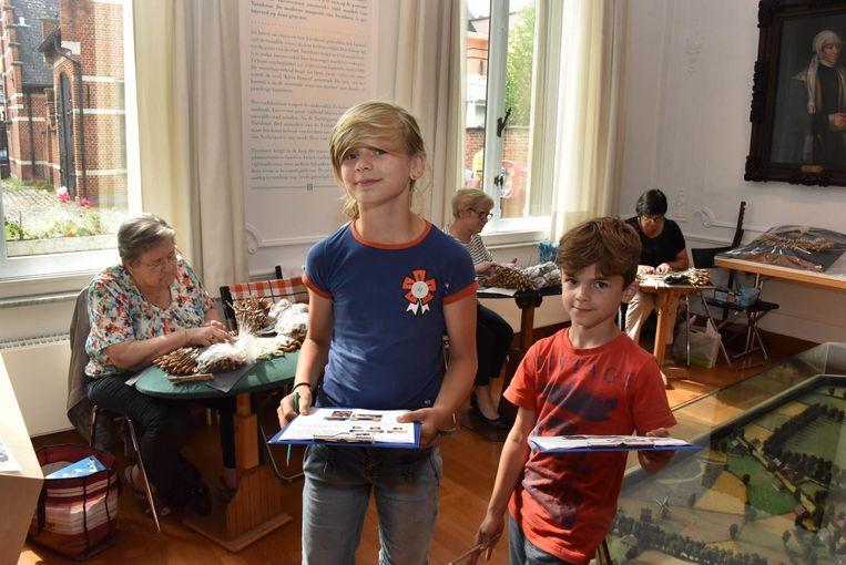 Tijn en Minne in het Taxandriamuseum op schattenjacht.