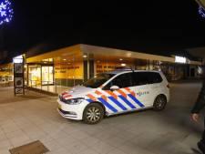 Opnieuw gewapende overval op Jumbo in Veldhoven, politie zoekt in buurt naar overvaller
