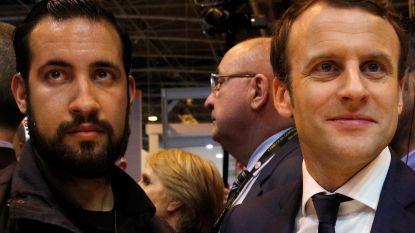 Onderzoek naar vroegere veiligheidsmedewerker Macron uitgebreid na selfie van Benella met vuurwapen