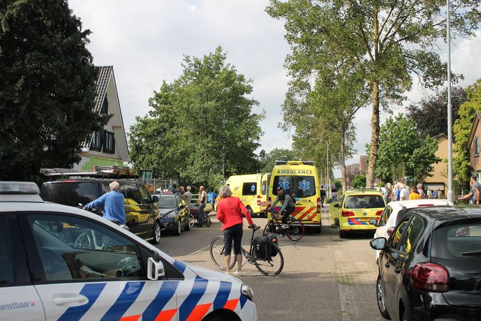 Hulpdiensten rukten massaal uit naar de Oude Telgterweg in Ermelo.