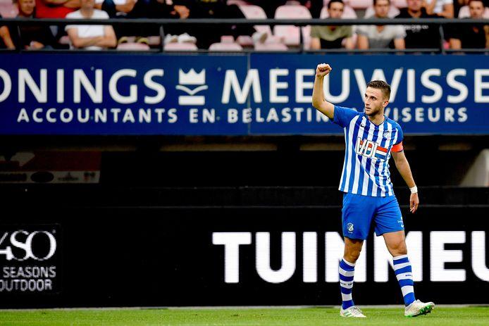 Branco van den Boomen viert zijn doelpunt.