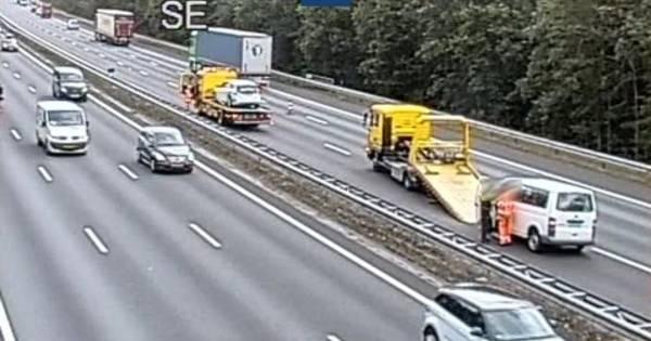 Ongeluk met vier autos bij Arnhem-Noord: flinke files op A12 en A50.