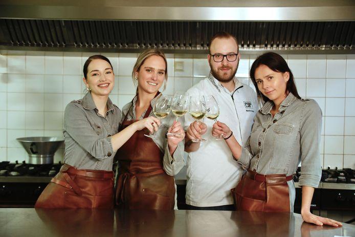 Het team van De Cleenne Mossel uit Bruinisse met van links naar rechts: Tara van der Spek, Manon Muller, Nando van As en Daniëlle Muller.