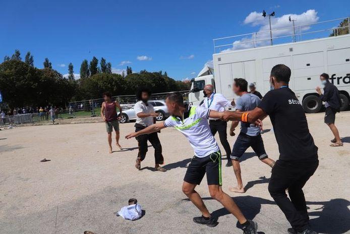 Franse jeu de boules-spelers zaten Belgen achterna 'met hun ballen'.