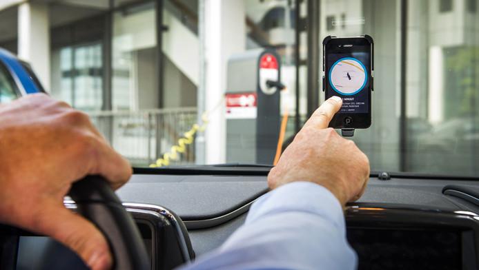 Dwangsom van 10 000 euro voor taxibedrijf Uber | Amsterdam | AD nl