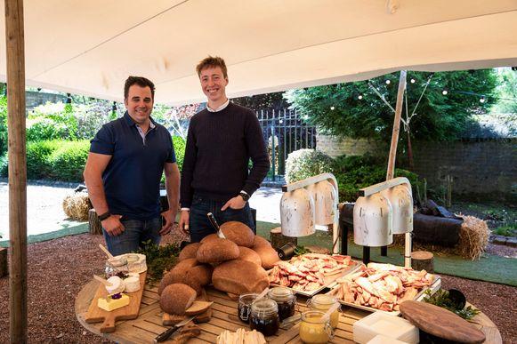 Joris Verkoyen en Dries Kerkhofs openen een pop-upbar met allerlei lekkers.