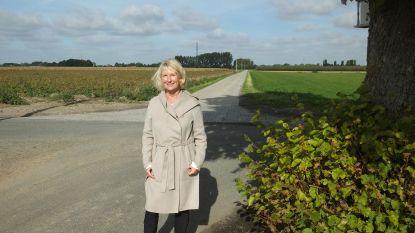Zingende pastoor Alfons Mervillie krijgt eigen straat in Meigem