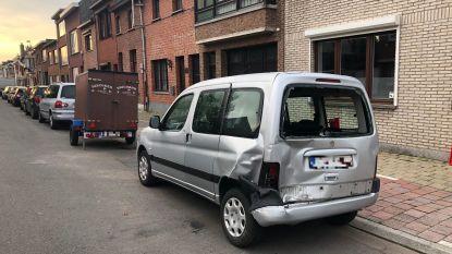 Achtervolging die start in Borgerhout eindigt in Wijnegem: passagier gevat, bestuurder op de vlucht en verschillende wagens beschadigd