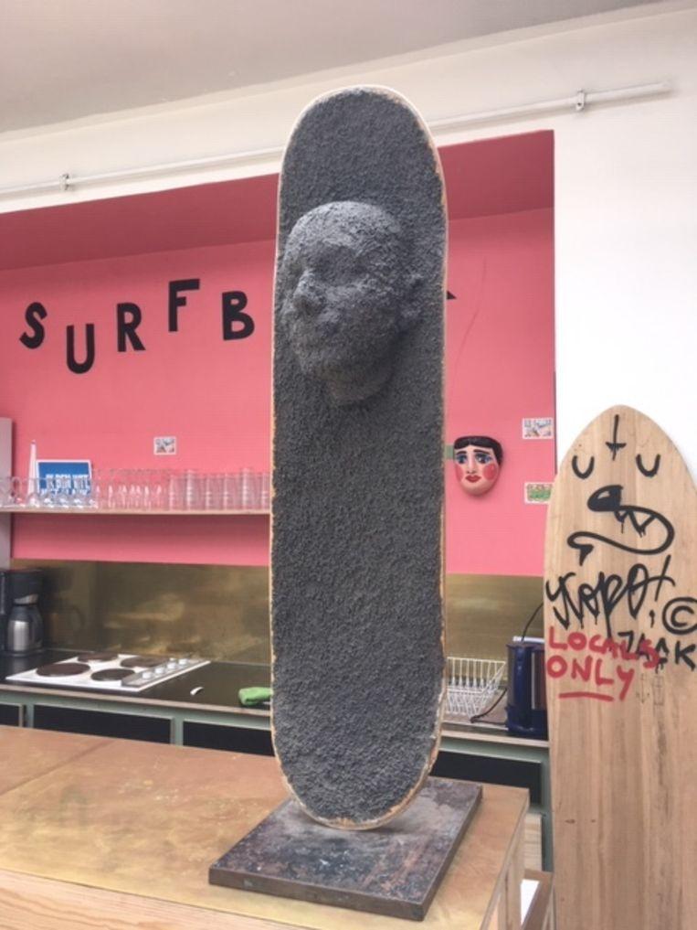 Kunst op/met skateboard.