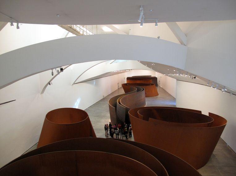 Sculpturen van Richard Serra in the Arcelor Mittal Gallery van het Guggenehim Museum Bilbao Spain Beeld Cover/Getty Images