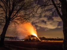 Stankoverlast vanwege paasvuren en oostenwind: 'Echt zo goor, het stinkt buiten naar verbrand plastic'