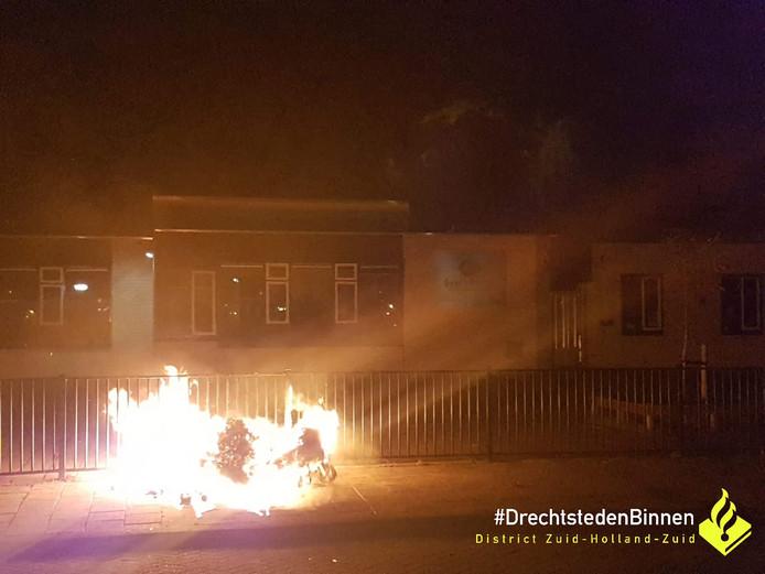 De brand woedde in de buurt van de Geert Grooteschool.