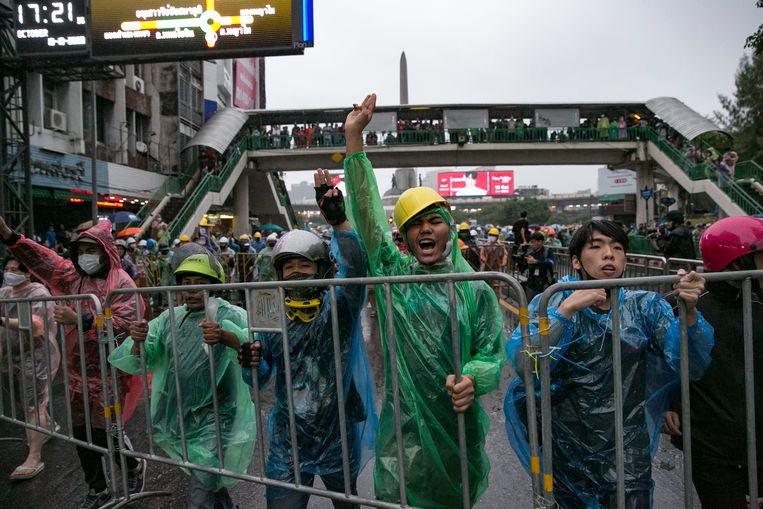 De demonstratie in Thailand is de meest recente in een reeks van anti-overheidsprotesten die eind juli begon en waarbij studenten en anti-overheidsprotesteerders oproepen tot overheidshervormingen. Beeld Getty Images