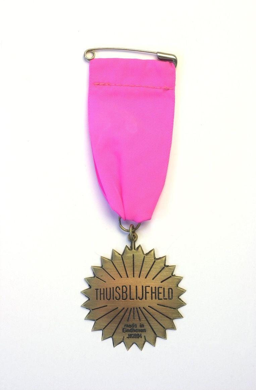 Medaille voor de thuisblijfheld (1994, actie voor Sarajevo). Beeld Peter Cox