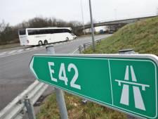 Un ouvrier meurt percuté par une voiture sur la E42
